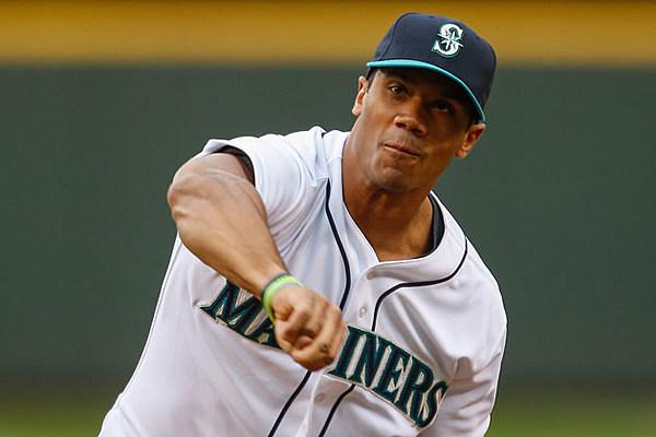 russell wilson will have a 2014 texas rangers baseball card