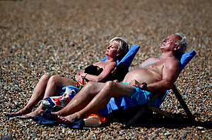 UK Basks On The Hottest Weekend Of The Year